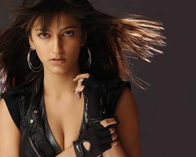 Shruti Haasan Hot Photo