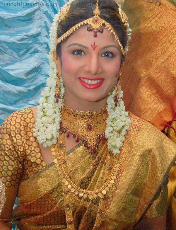 South Indian Actress Rambha Wedding photos Posted by pranavikha on 629 PM