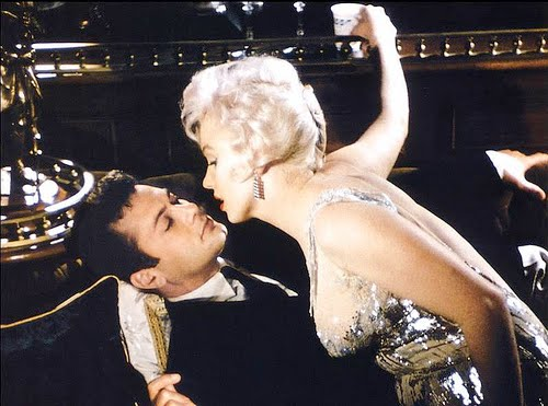tony curtis young. Tony Curtis and Marilyn Monroe