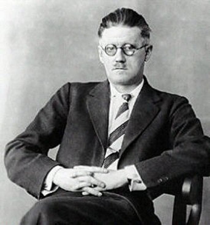 """modernism james joyce's 'eveline' and t s """"female mobility and james joyce's """"eveline"""" and colm tóibin's brookling"""" 55  facing modernism"""" 75-110  papers on joyce 15 (2009)-editor's."""