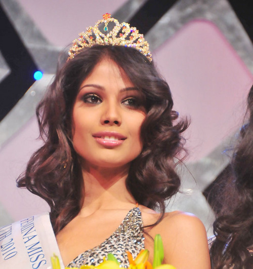 Nicole Faria Femina Miss India South 2010 Nicole Faria, Miss India,young dance pussy young teen naturalist