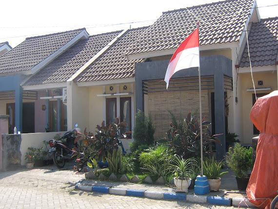 Rumah Pak Hermawan (B-16)