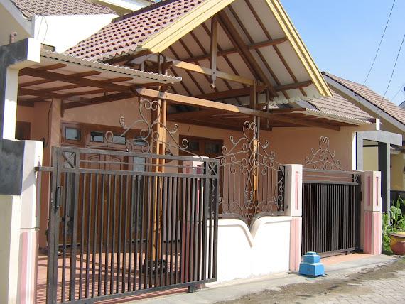 Rumah Bu Rina (A-10)