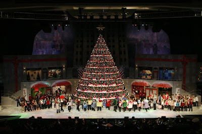 Bellevue Baptist Church Memphis Singing Christmas Tree