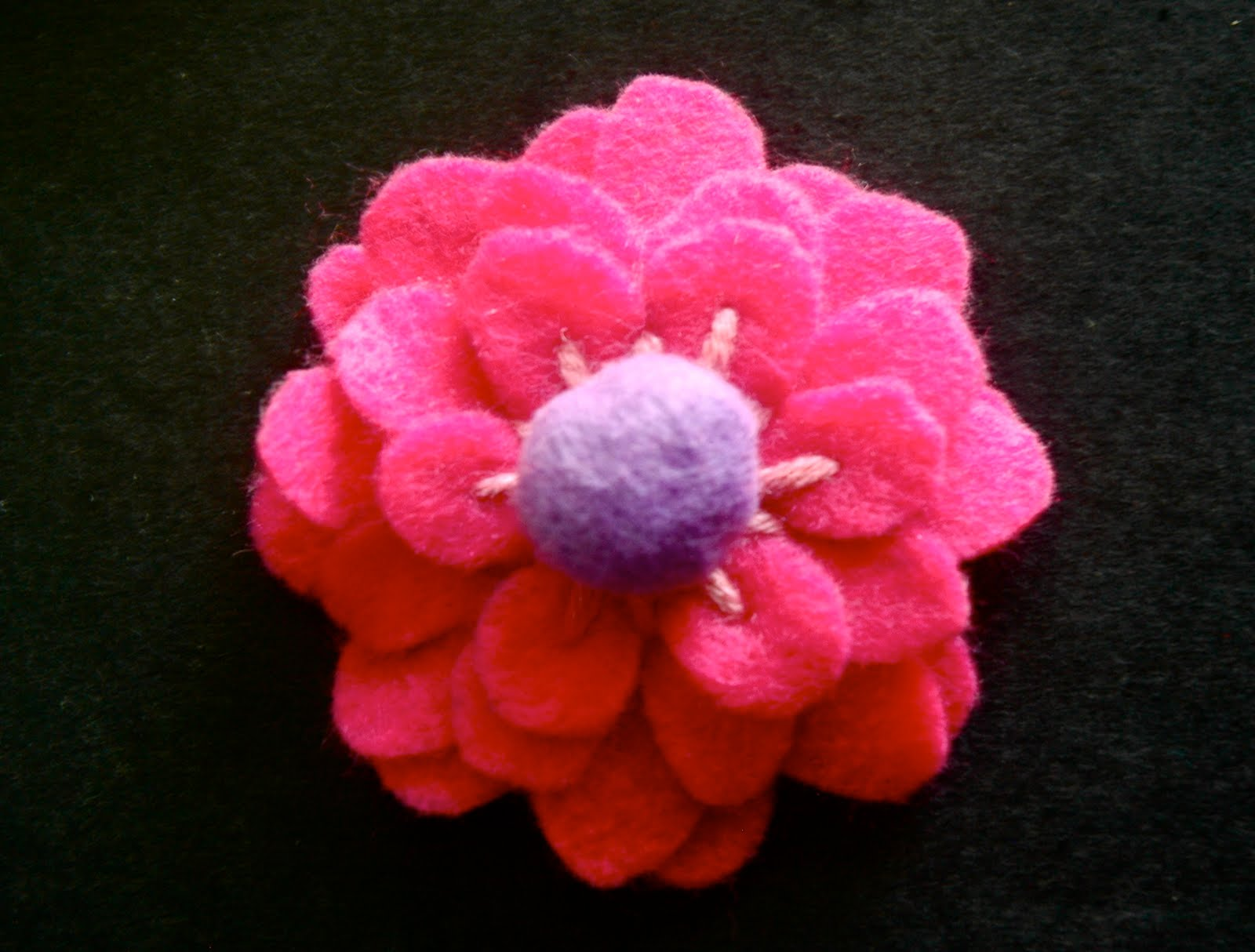 TurtleCraftyGirl Felt flowers
