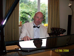PIANIST BRIAN DAVIDSON