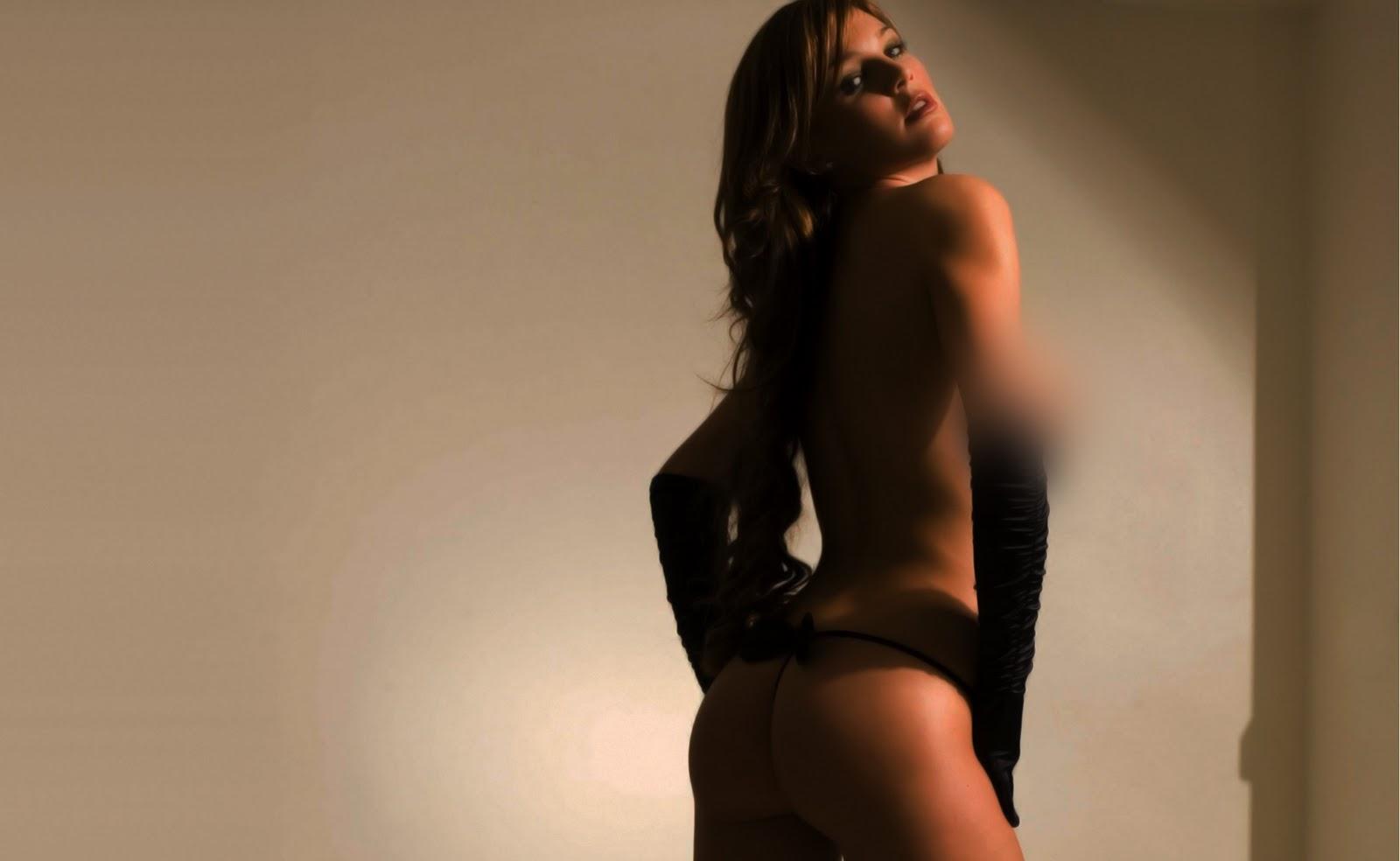 http://4.bp.blogspot.com/_Y5-4Z4aPcOI/TUFg2NhJPvI/AAAAAAAAA2U/jT0RrT7KOS8/s1600/Danielle+Lloyd+-+freehd.blogspot+%25285%2529.jpg