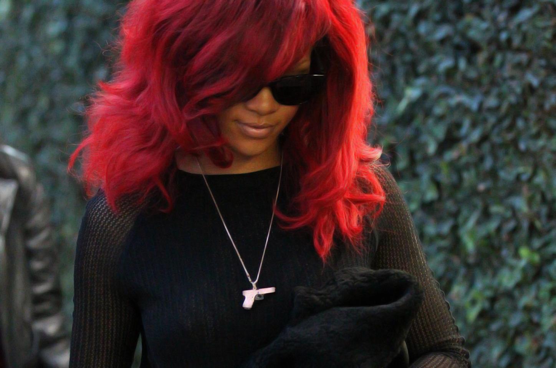 http://4.bp.blogspot.com/_Y5-4Z4aPcOI/TUiE3IUS9fI/AAAAAAAABQE/bEOr-q3N_Ng/s1600/New+Rihanna+-+FreeHD.Blogspot.Com+%25288%2529.jpg