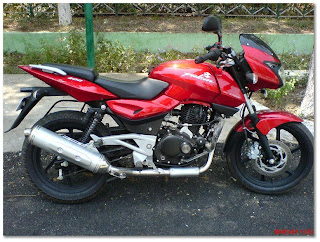 My Friend's Nilu's New Pulsar 200 DTSi