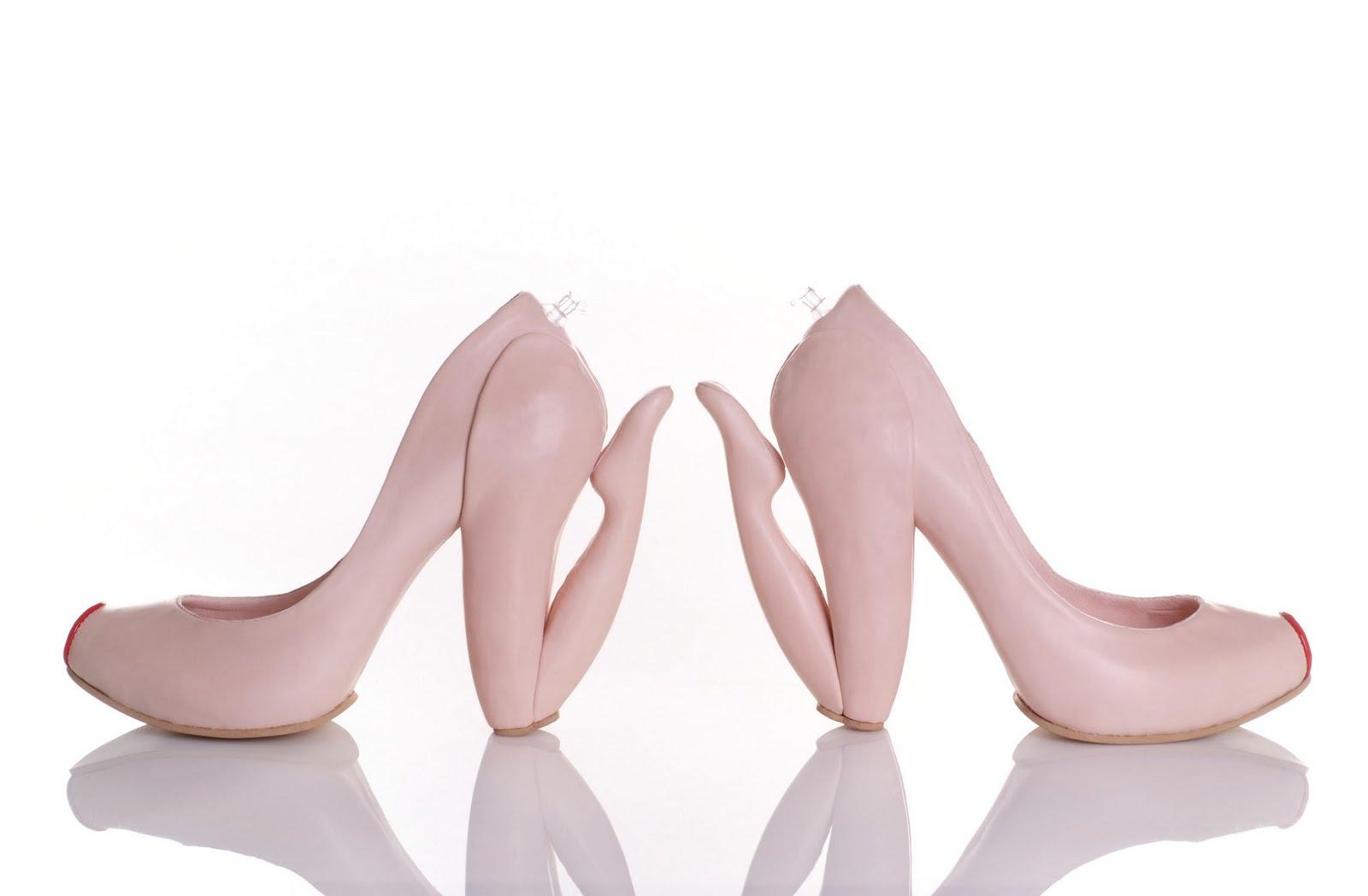 Zapatos extravagantes y extraños