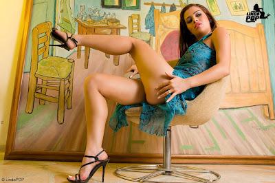 chicas en lenceria chicas en minifalda mujeres en bragasPaola Garcia