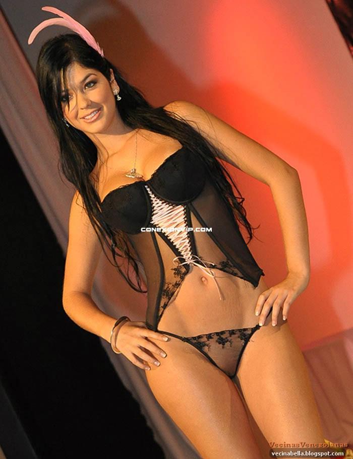 Camila Davalos Gemelas