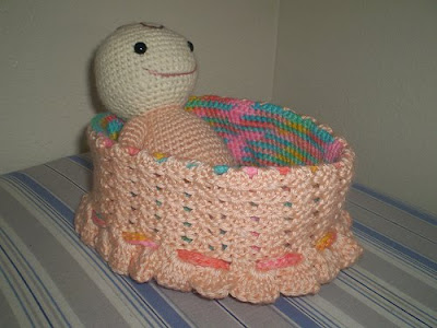 Cafemommers 7polkadots Crochet Baby And Bassinet Tutorial