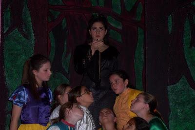Teenage girl snow white hypnotized