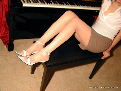 Piano Teacher Hot Hosed Legs Pictures