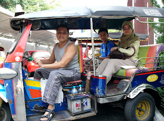 Tuk-tuk Taxi Ride 20 Bhat