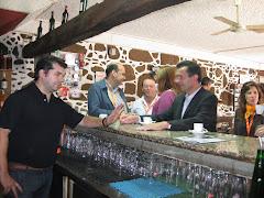 João Cepa e Mário Fernandes no porta-a-porta no Café Juventude