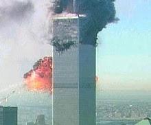 cuando el avion choca con las torre