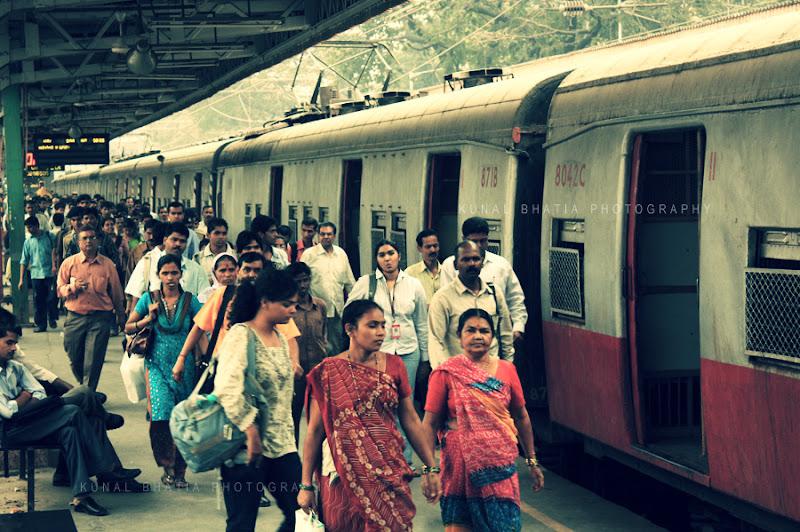 andheri railway station in mumbai by kunal bhatia photoblog train photos railways railway stations tracks rail bahn