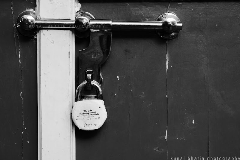 indian government office shut locked sealed in vasai fort in mumbai by kunal bhatia photo blog