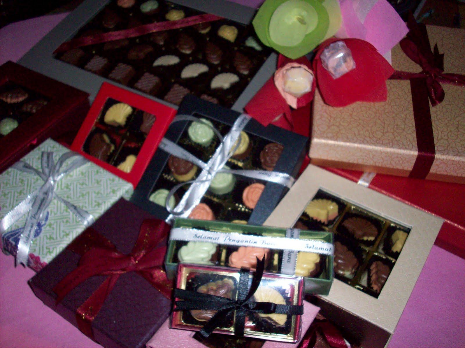 salam semua blossom choc house ada menjual pelbagai jenis coklat untuk