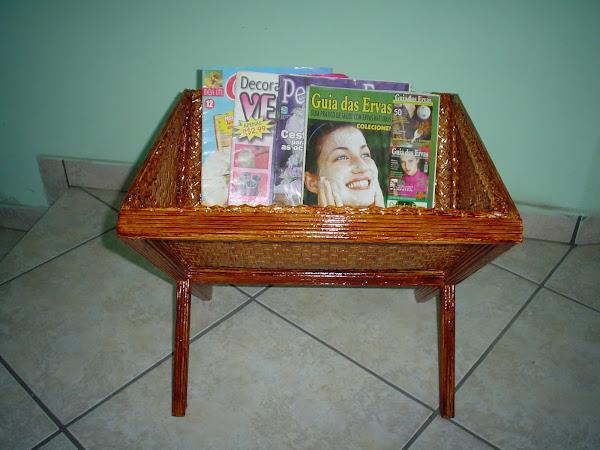 PORTA REVISTA (Imbuia)