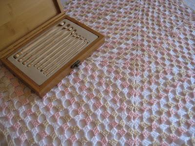 طريقة عمل ابسط مفرش سرير بالصور  عمل مفارش يدوياً  مفرش سرير سهل