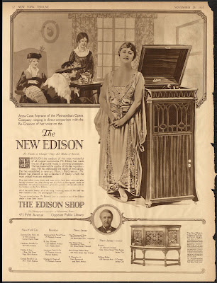 1917 Ad featuring Anna Case.