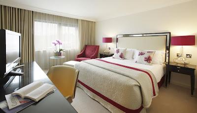 http://4.bp.blogspot.com/_YDwC2Rs77NU/Sv3D6g2qTCI/AAAAAAAAB6s/DCJLXJfCcwo/s400/bedroom-design-bristol-hotel.jpg