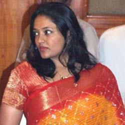 Actress Ranjitha out from Movie Ravanan