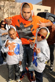 http://4.bp.blogspot.com/_YFbXKOW1NoQ/SbhdYJlhl2I/AAAAAAAACcY/3U5uRSsV1rM/s320/chris+brown+kids+choice+awards+nickelodeon.jpg