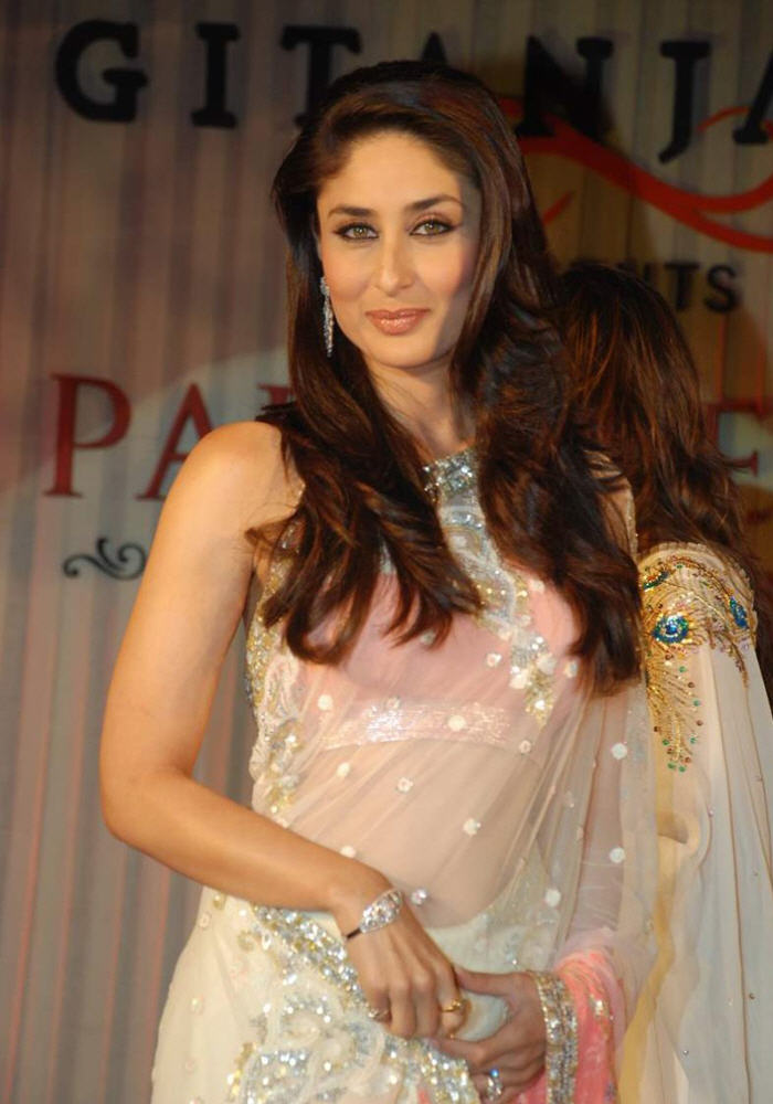 Sexy Kareena Kapoor in Transparent Saree