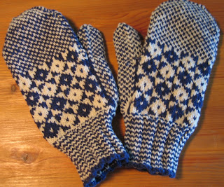Knitting Pattern For Childs Newfie Mittens : FREE KNITTING PATTERN FOR NEWFIE MITTENS   KNITTING PATTERN