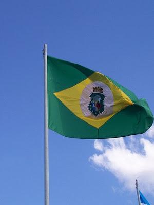 http://4.bp.blogspot.com/_YIwUWdeEdU0/TD7grBW_HII/AAAAAAAAHgw/Aa3BjxmRtlQ/s1600/BANDEIRA+DO+CEAR%C3%81++BONITA.jpg