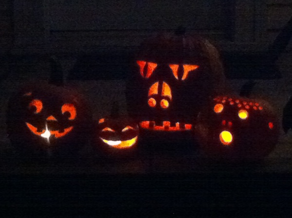 http://4.bp.blogspot.com/_YJQseQn1dME/TM2szOE7NcI/AAAAAAAAGdA/2e8jDqmEX2Q/s1600/halloween_pumpkins_10.jpg
