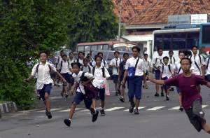 Kenakalan Remaja, Faktor Penyebab dan Tips Menghadapinya