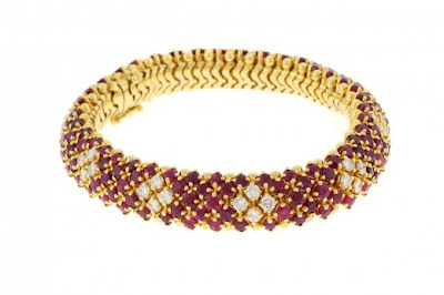 Women Gold Bracelets For 2012