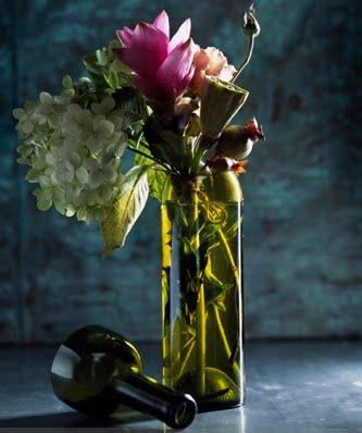 [Anna-Last-Wine-Vase]