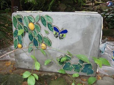 Kim Larson Art, Mosaics + More: Mosaic Lemon Bench