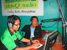 Lagi siaran di radio DOS-Q