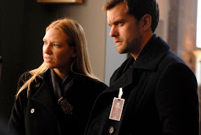 FRINGE: Olivia (Anna Torv, L) and Peter (Joshua Jackson, R) arrive at a crime scene in the FRINGE episode Safe