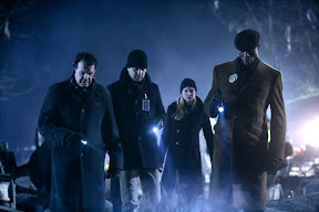 FRINGE: The team (L-R: John Noble, Joshua Jackson, Anna Torv and Lance Reddick) arrives at an accident in the FRINGE episode The Transformation