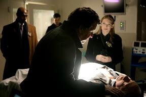 FRINGE: The team (L-R: Lance Reddick, Joshua Jackson, John Noble and Anna Torv) examines a body at the hospital in the FRINGE episode 'Ability' airing Tuesday, Feb. 10 (9:01-10:00 PM ET/PT) on FOX. ©2009 Fox Broadcasting Co. Cr: Craig Blankenhorn/FOX