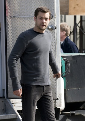 Joshua Jackson on the set of Fringe