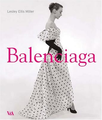 http://4.bp.blogspot.com/_YPLSyaja5vU/SpmfYJNA4OI/AAAAAAAAD5A/LW1DBesQiUI/s400/balenciaga+book+vintage+gown.jpeg