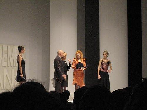 Moda sfilata accademia italiana arte moda design for Accademia moda milano