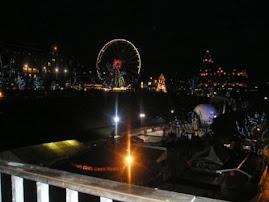 クリスマスと年末に向けてのエジンバラの夜景