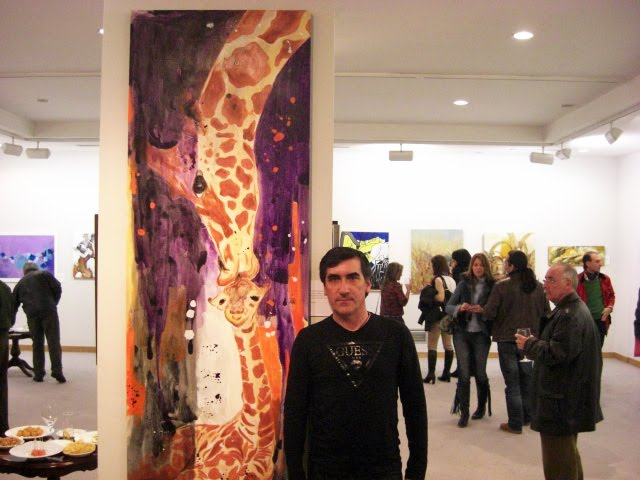 Francisco Urbano with 'Giraffe Kiss'