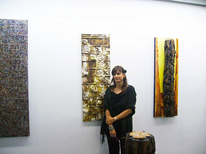 Carla Taveira with the work 'Portadas'