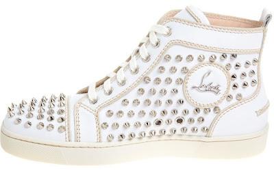 >Rihanna en Sneakers Christian Louboutin